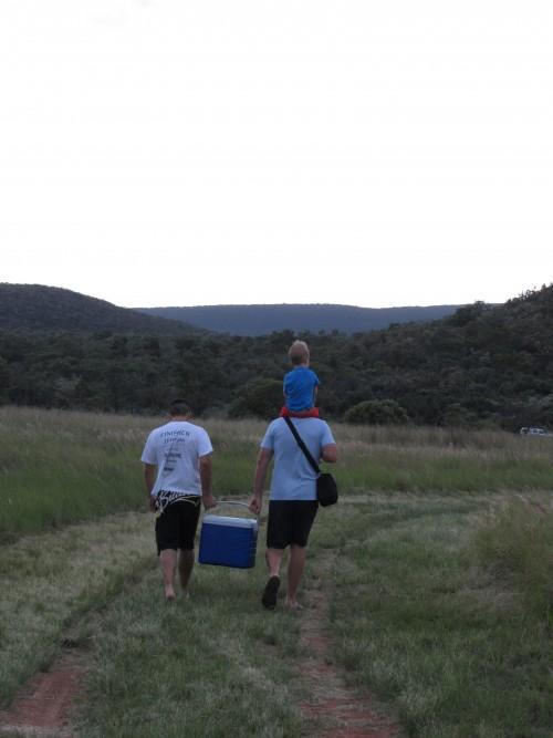 KK, DSM & Daniel heading down to the river